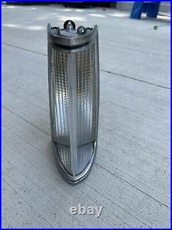 1977-79 Lincoln Continental Mark V FENDER Park Light TURN RH PASSENGER 1978 1979