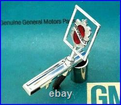 81 86 Olds Cutlass Supreme Hood Ornament Header Panel Emblem Gm Trim Lock