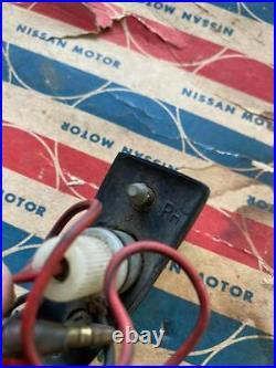 DATSUN Cedric 280C 260C 240C Fender Mounted Turn Signal Indicator Assembly RH