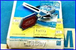 Nos 1975 Oldsmobile Cutlass Supreme Header Panel Emblem Gm 75 Hood Ornament Trim